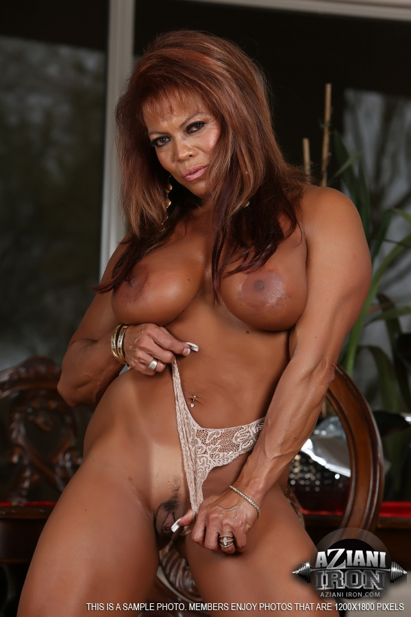 Muscled chesty granny lifts weights all naked vintage 8