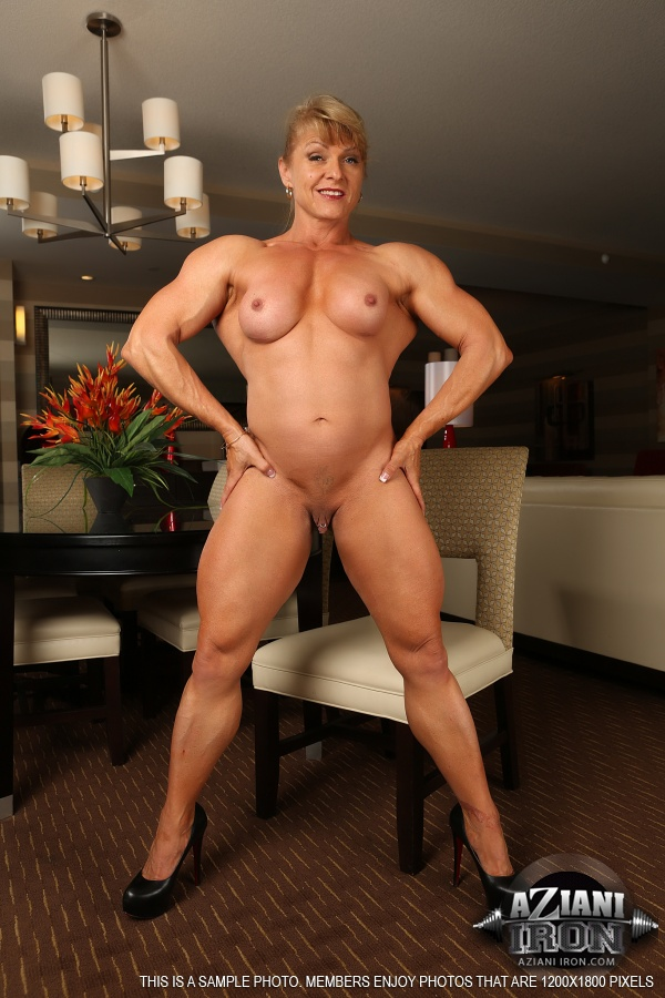big boobie bodybuilder women